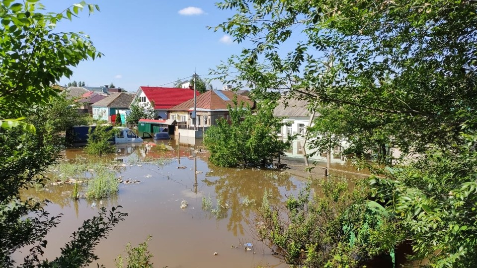 Частные дома затопило