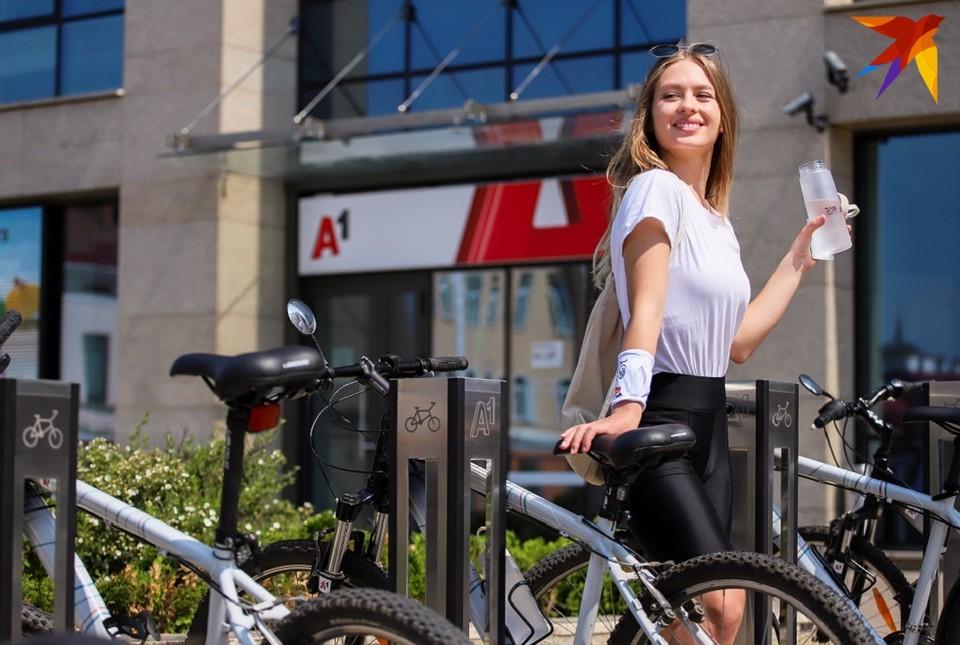 Велосипед - идеальное средство передвижения летом! Фото: Алексей МАТЮШКОВ