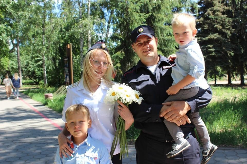 У Олега и Натальи Волковых двое сыновей – Богдан и Арсений.