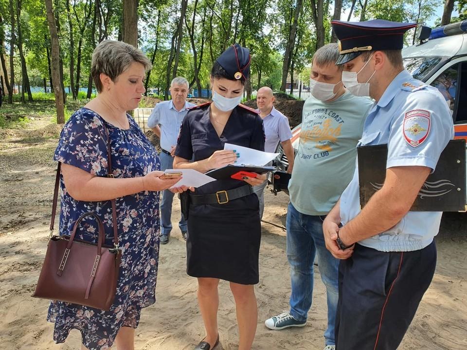 Правоохранителям показали необходимые документы