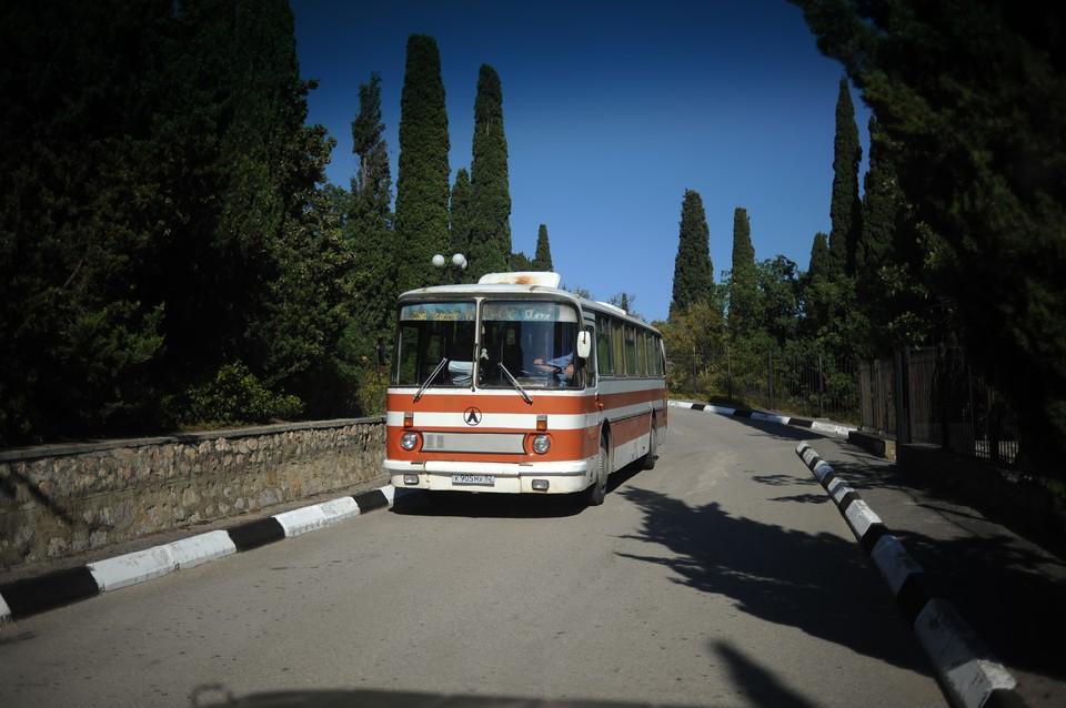 905 автобусов помещены на специализированную стоянку с техническими неисправностями, при которых запрещена их эксплуатация.