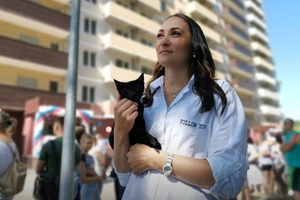 В Брянске в четверг, 8 июля, 293 обманутых дольщика, жильцы дома по улице Степной, получили долгожданные ключи от квартир.