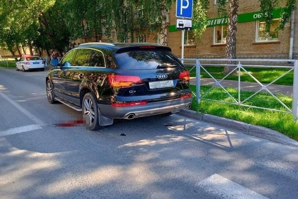 В Новосибирске иномарка задавила 5-летнего мальчика на самокате. Фото: «Инцидент Новосибирск»