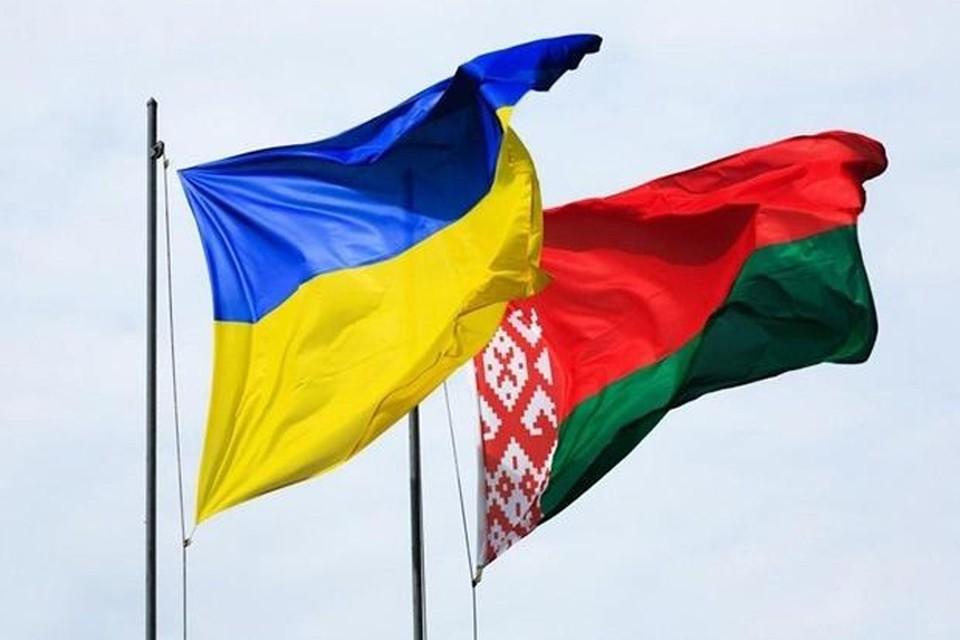 В Украине представили список из 52 белорусов, на которых хотят наложить санкции.