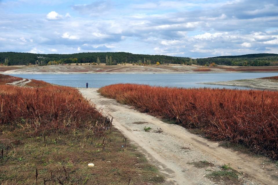 С одной стороны, стихия восполнила недостаток воды в Крыму, с другой – нанесла серьезный ущерб региону.