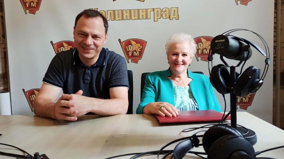 Дмитрий Новиков и Людмила Осипова в студии радио «Комсомольская правда Калининград».