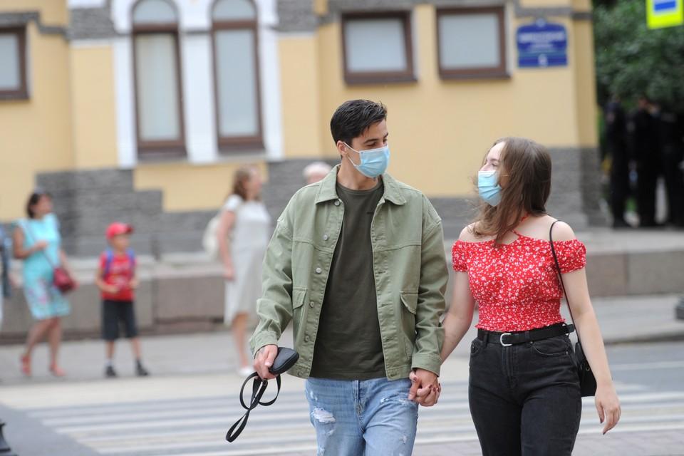 Более 1,9 тысяч человек заболели коронавирусом в Петербурге на 9 июля