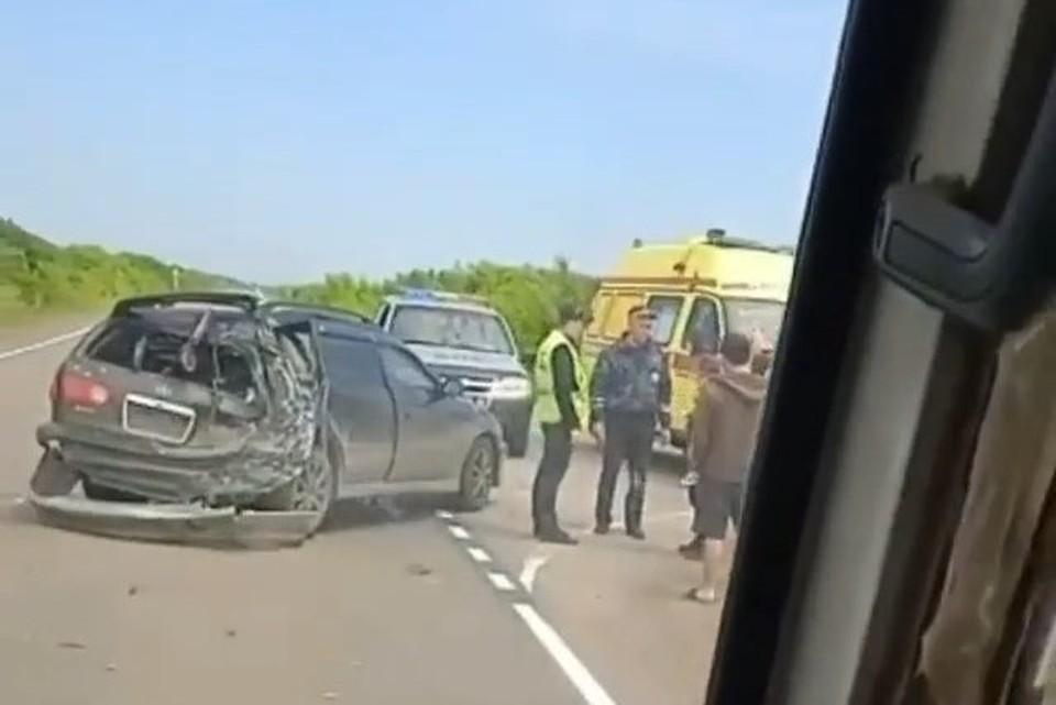 По предварительным данным, грузовик врезался в Toyota Caldina