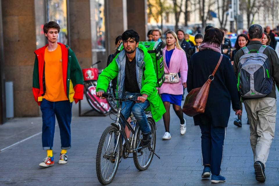 За смену доставщик может проездить на велосипеде 50 километров