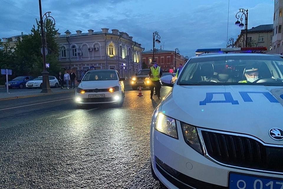 ДТП, перепугавшее очевидцев, случилось в Тюмени сегодня утром, 11 июля, неподалеку от дома по ул. Севастопольской, 25. Фото: ГИБДД Тюменской области