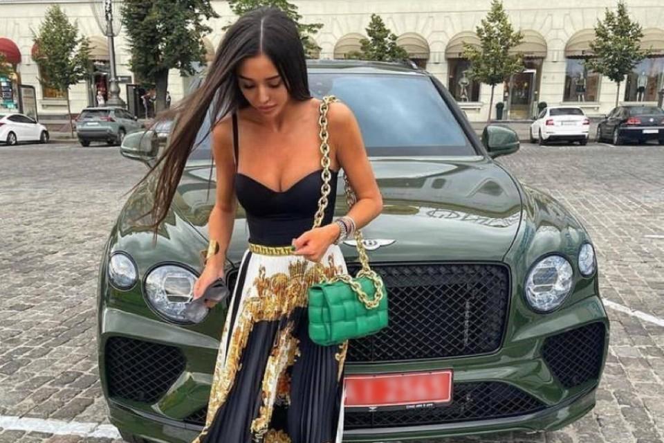 23-летняя Екатерина Якименко, которая называет себя Тигра, встречалась с богатым «папиком» из Москвы