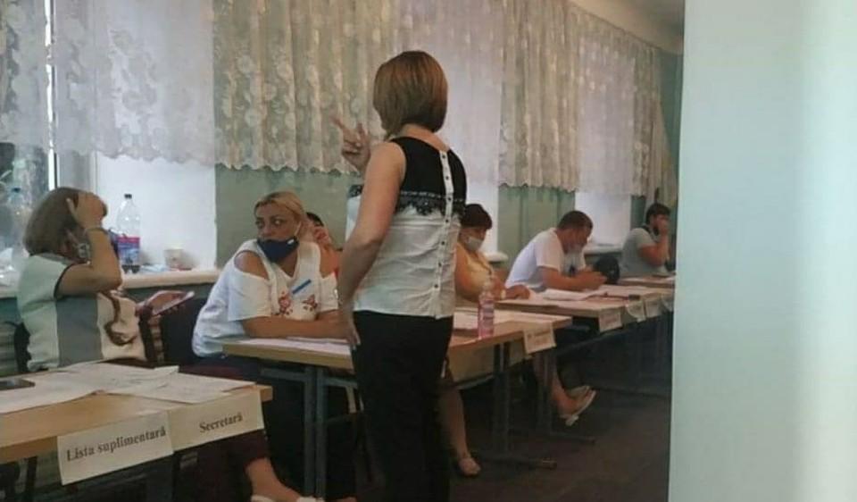 Парламентские выборы в Молдове состоялись - участки закрылись.