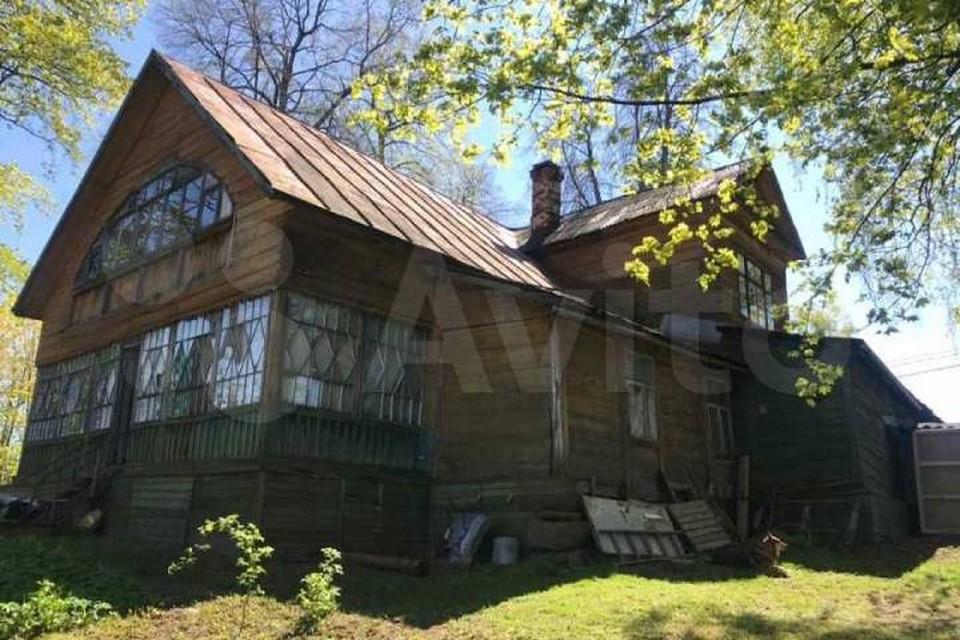 Дачу, построенную по проекту архитектора Воронихина, продают в Петербурге / Фото: Авито
