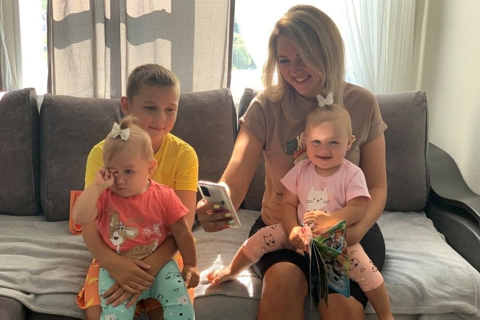 Екатерина Бушеева - мама троих детей - часто пользуется интернетом