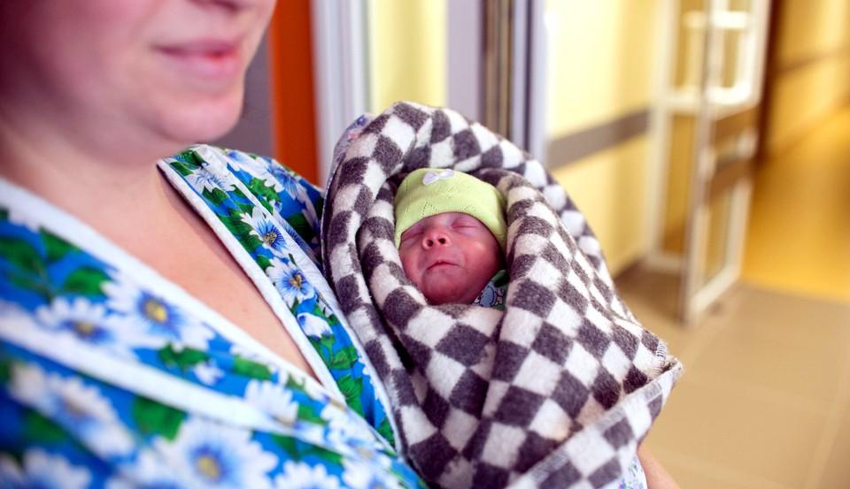 Большая часть родившихся в Томской области малышей появилась на свет в Томске
