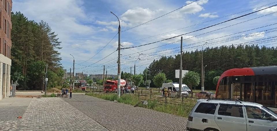 Движение трамваев на данном участке временно приостановлено. Фото: Аня Мерзлякова, ИГГС, vk.com/udmurtiya18rus