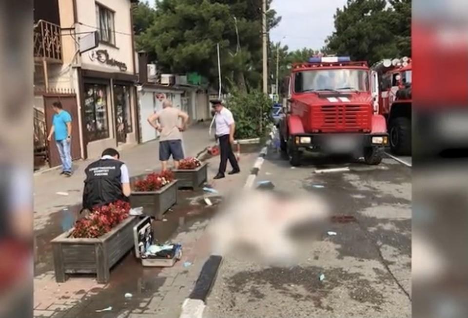 Фото с места взрыва гостиницы в Геленджике