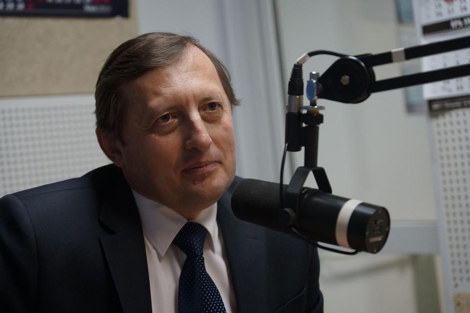 Эфир с заместителем губернатора Свердловской области начался в 13.00
