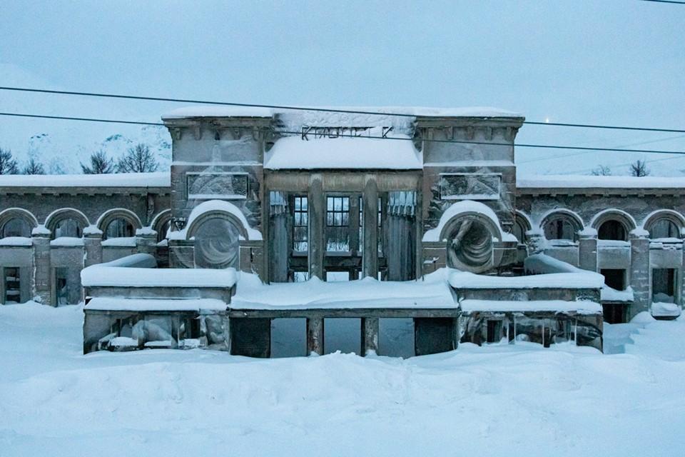 Железнодорожный вокзал в Кировске.