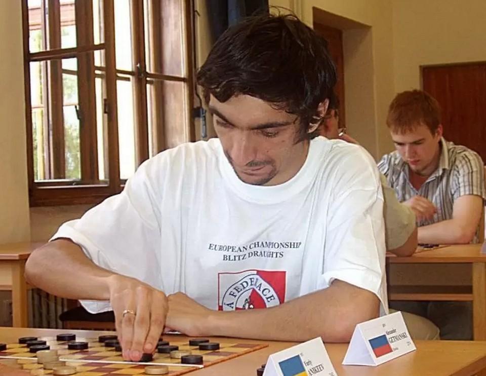 Туляк Александр Гетманский стал вице-чемпионом мира по международным шашкам