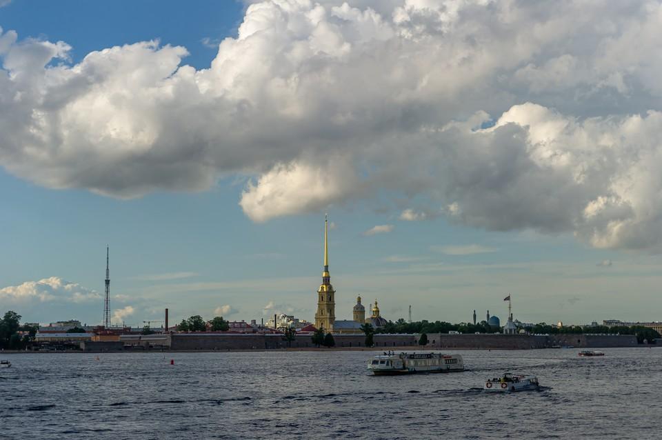Дожди и грозы обошли стороной Петербург 14 июля