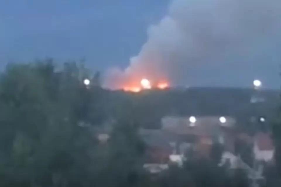 Областная прокуратура начала проверку после пожара на новосибирской свалке. Фото: Кадр из видео