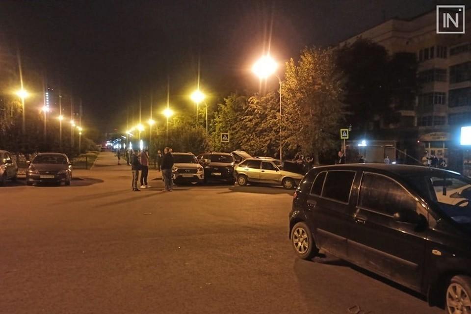 Парни не смогли разойтись мирно Фото: группа ВКонтакте Инцидент Екатеринбург