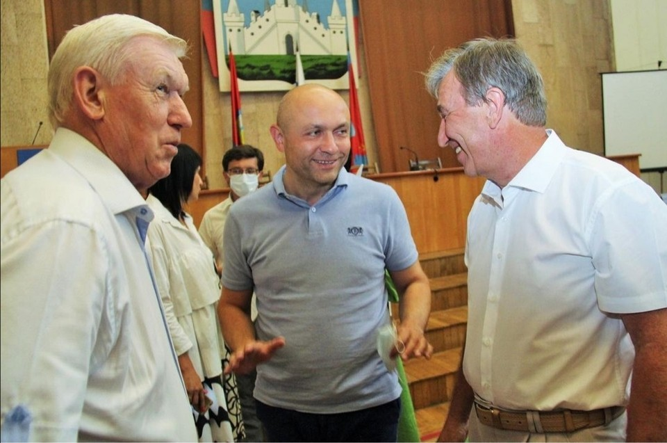 Глав двух районов Орла проводили на пенсию. Фото: инстаграм Юрия Парахина