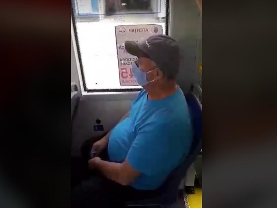 Тот самый пассажир, считающий, что он слишком добрый по отношению к русскоязычным.