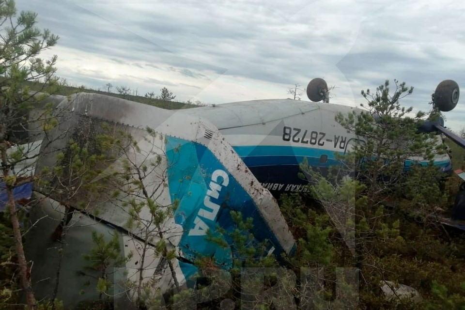 Публикуем фото аварийной посадки самолета Ан-28 Кедровый-Томск 16 июля 2021.