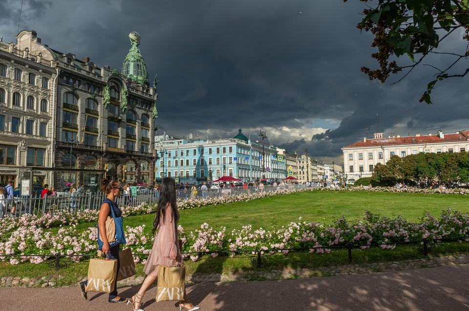 Вечером 18 июля в Петербург могут прийти грозовые дожди.