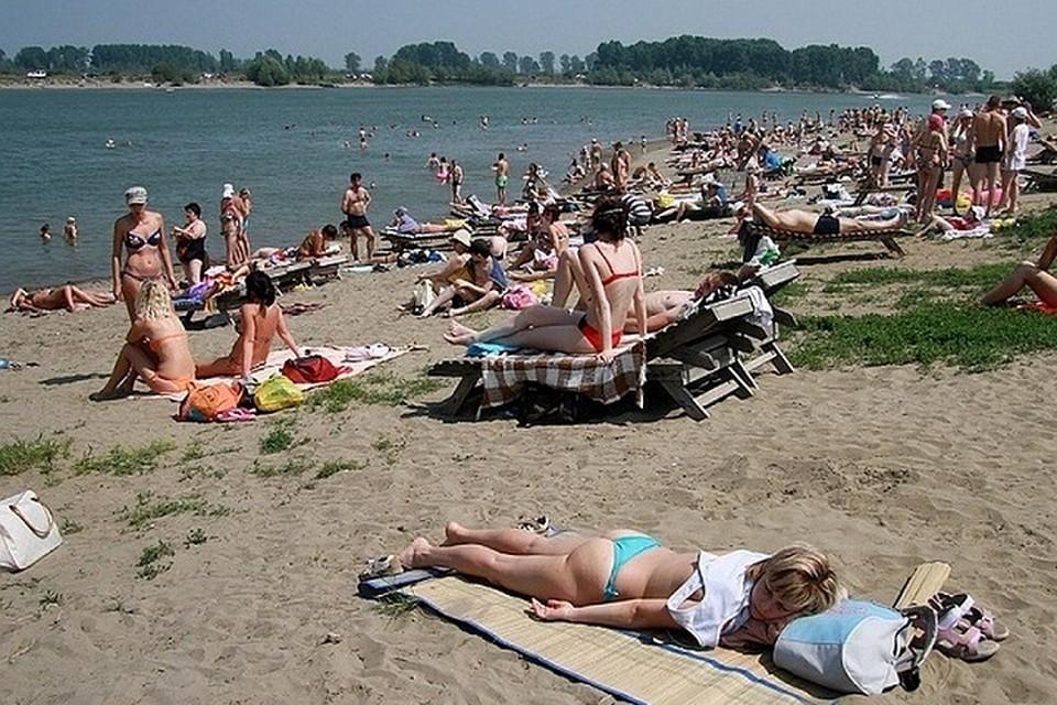 Ребенок находился на оборудованном пляже.