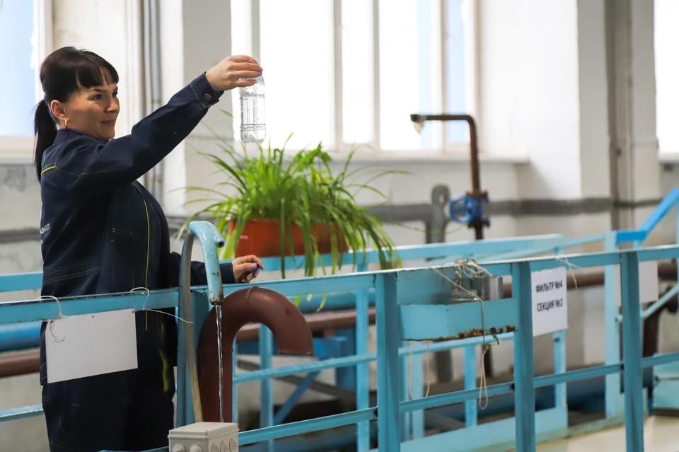 У воды в Тюмени появился неприятный запах: специалисты объяснили почему Фото: Росводоканал Тюмень