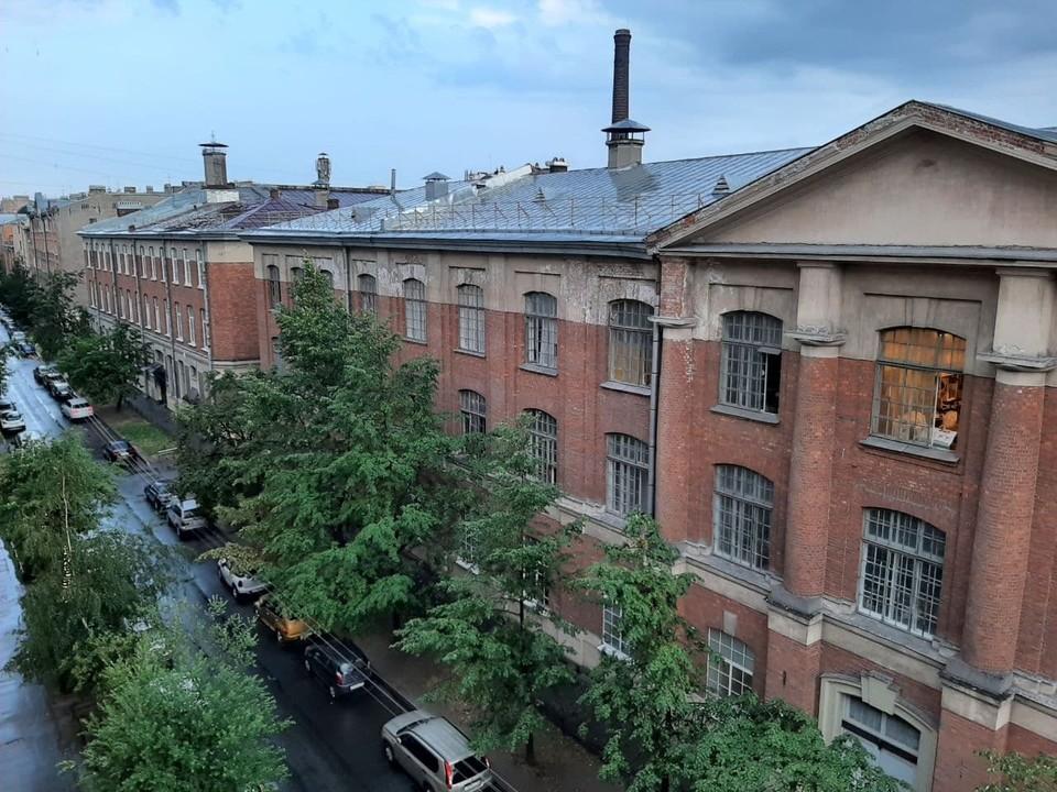 Проливной дождь накрыл Петербург в воскресенье, 18 июля.