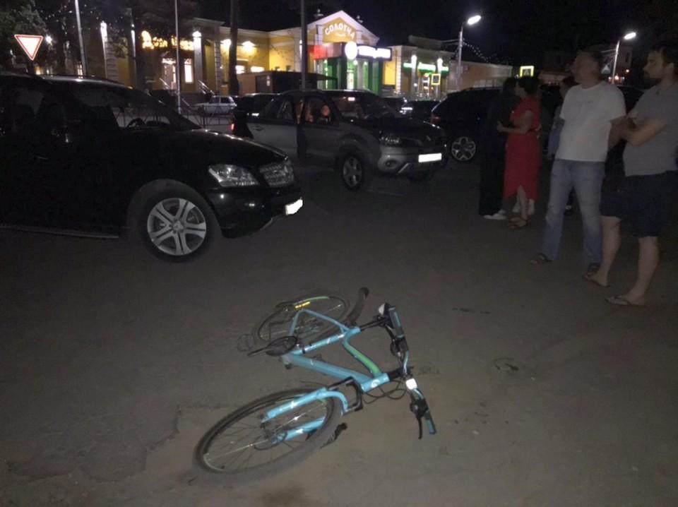 В Солотче у монастыря Mercedes на скорости сбил 15-летнего велосипедиста.