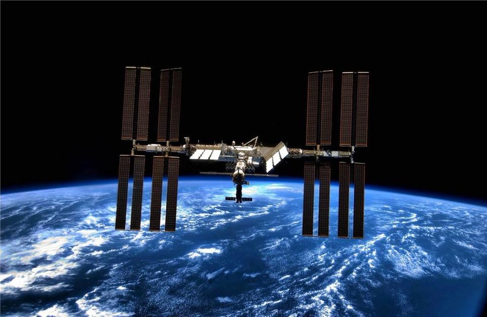 В России сообщили о возможном дефиците скафандров для российских космонавтов на МКС