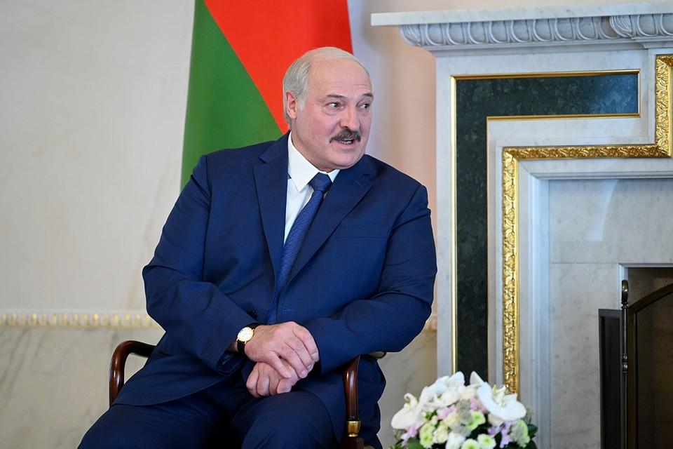 На минувшей неделе события в Белоруссии прошли мимо широкой публики практически незамеченными, все затмил внезапный прилет Александра Лукашенко в Санкт-Петербург.