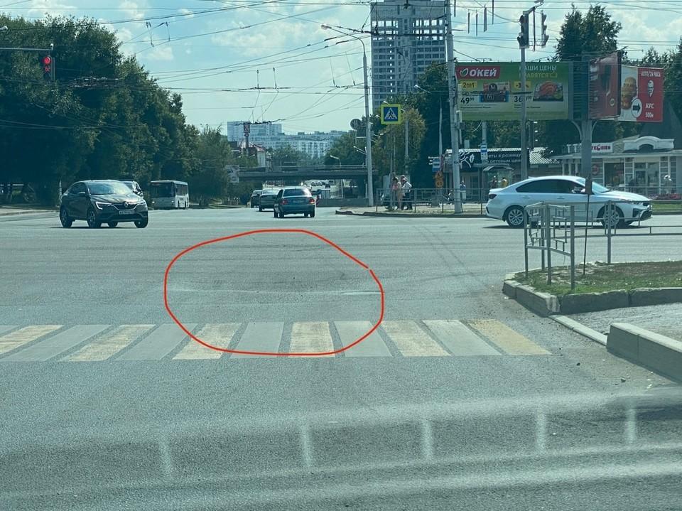 Для наглядности автор приложил фото и отметил на нем опасное место.