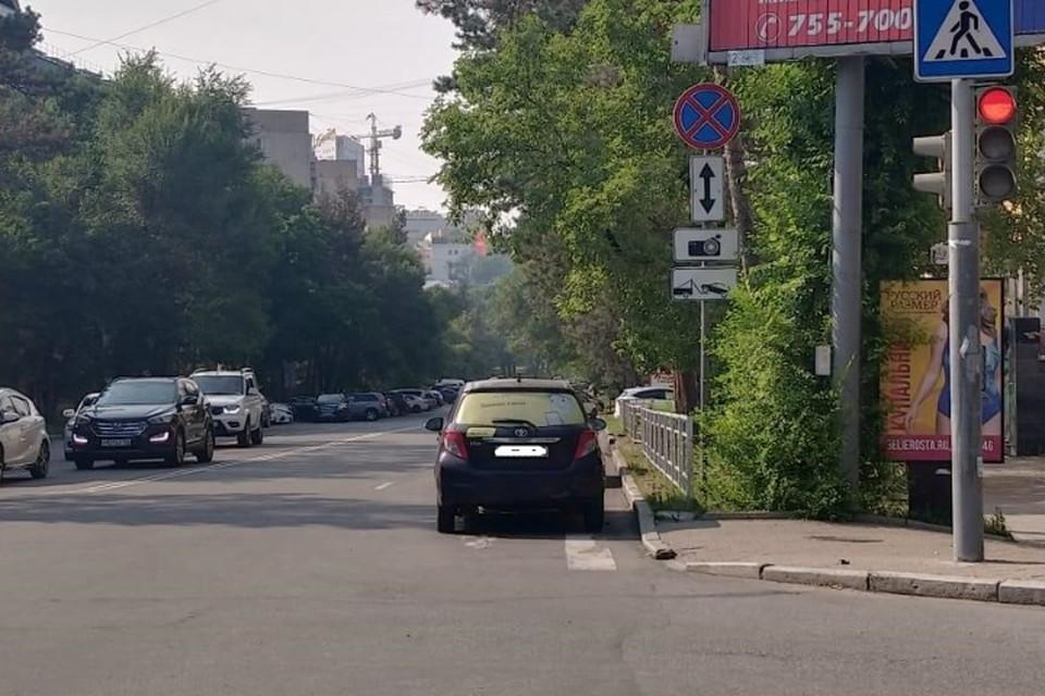 Иномарка сбила женщину на «зебре» в Хабаровске