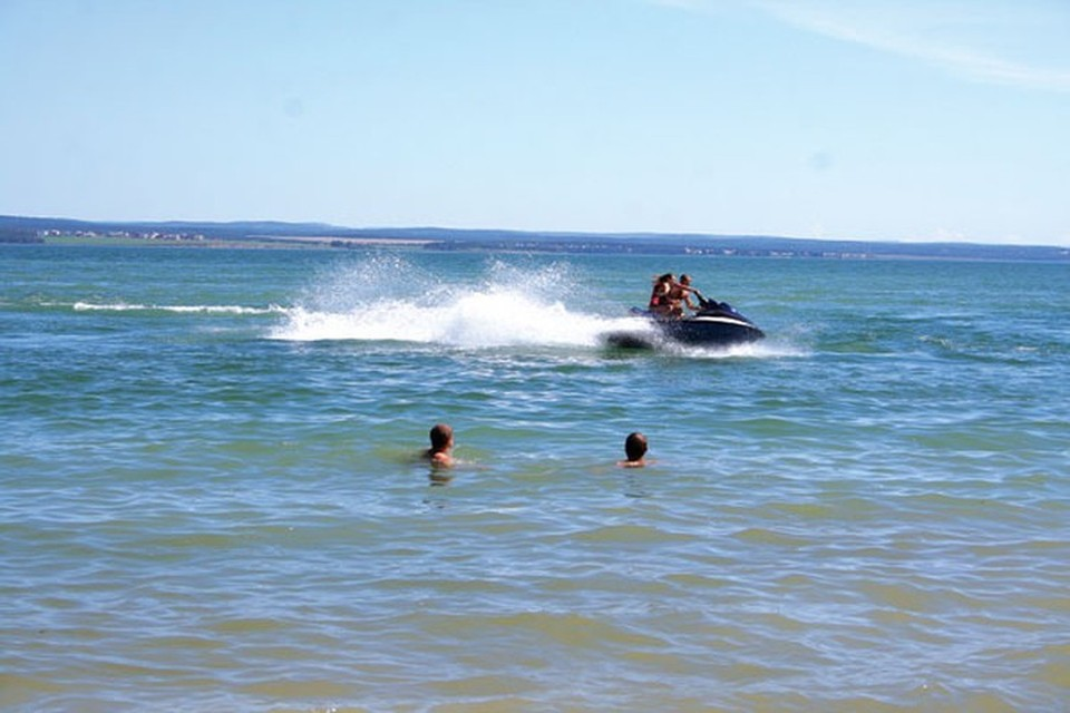 Роспотребнадзор: купаться в Мухорском заливе на Байкале рискованно для здоровья