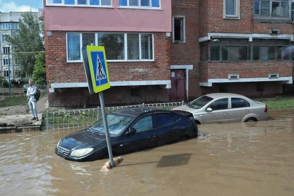 Около 1 тысячи авто попали в зону подтопления. Фото: Совмин РК