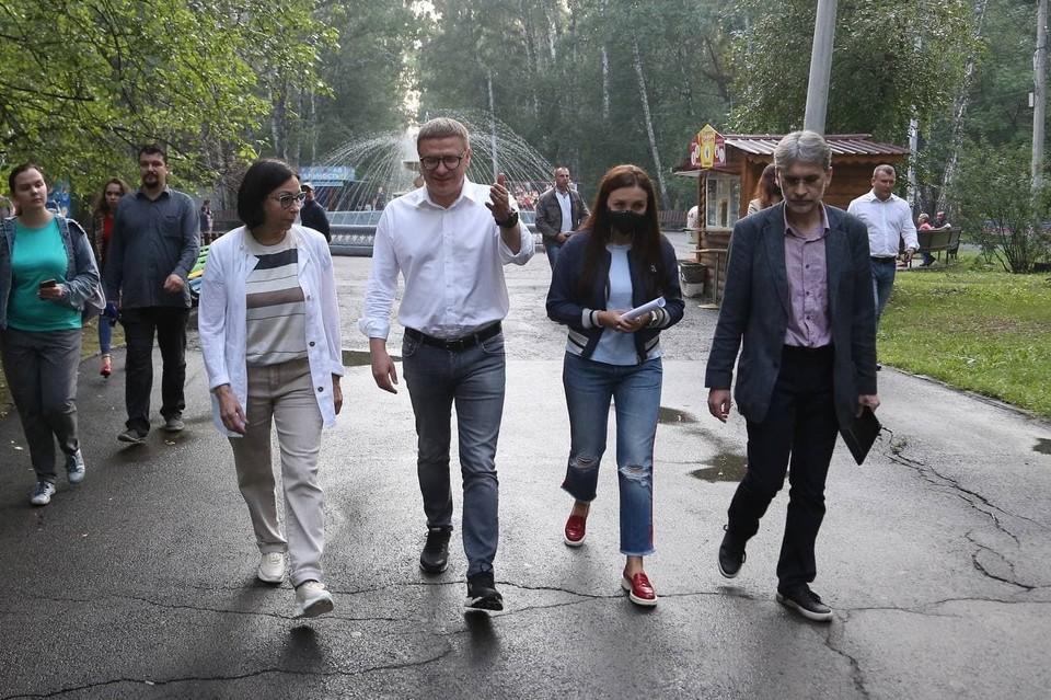 Губернатор в парке им. Тищенко. Фото: gubernator74.ru