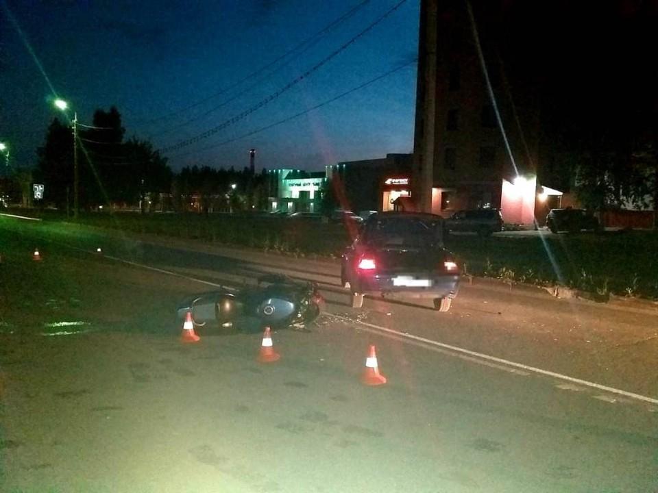 В Нефтеюганске подросток на авто сбил мужчину на мотоцикле Фото: ГИБДД России