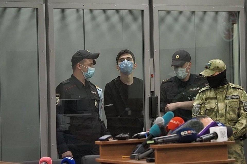 Устроившего стрельбу в казанской школе Ильназа Галявиева признали невменяемым