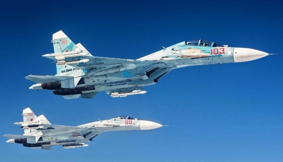 В небе - российские ВВС. Фото: архив «КП»-Севастополь»
