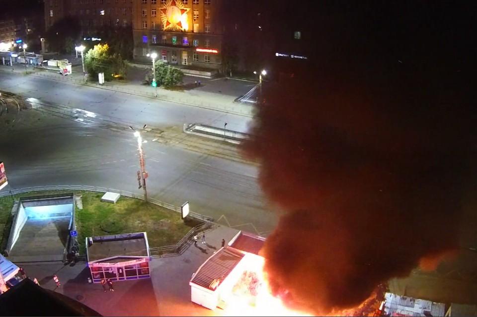 Пожар случился возле Теплотеха. Видео: камеры Интерсвязи