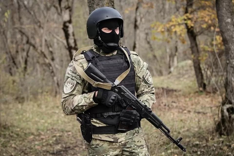Всех задержанных доставили в ГСУ СК России по СКФО для проведения следственных действий на допрос