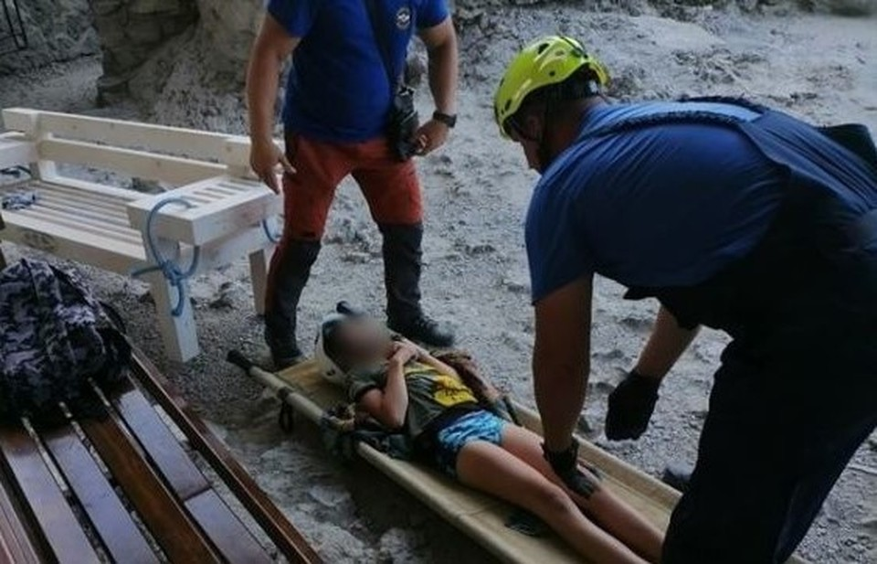 Ребенка экстренно эвакуировали в больницу. Фото: ГУ МЧС по РК
