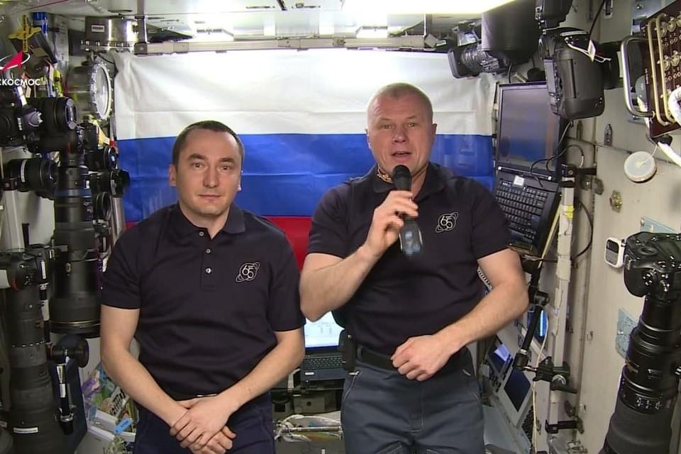 Космонавты Роскосмоса с МКС пожелали удачи сборной России на Олимпиаде в Токио. ФОто: скрин видео