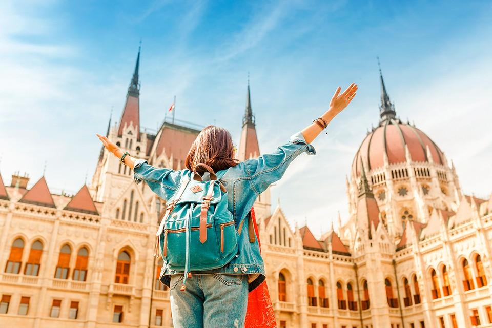 Венгрия ждет российских туристов. Но только с прививками от COVID-19